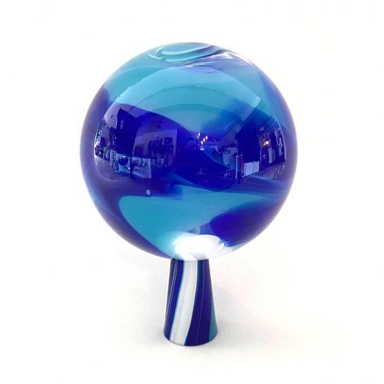 Gartenkugel blau-weiss