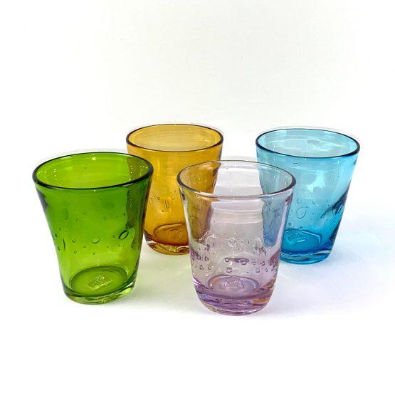 Wasserglas, mungeblasenes, durchgefärbtes Buntglas